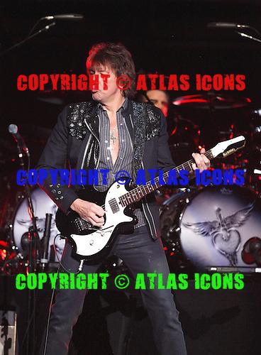 Bon Jovi,Richie Sambora,  live, 2013 ,Ken Settle/atlasicons.com