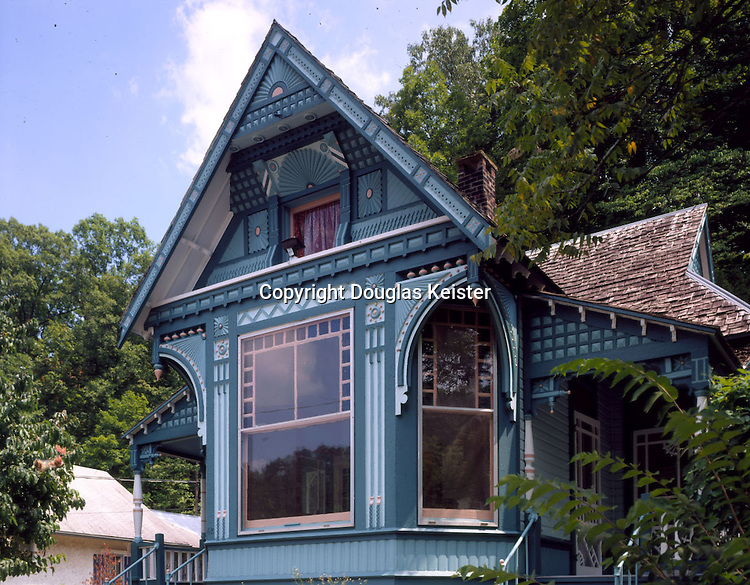 Cliff Cottage<br />42 Armstong St<br />Eureka Springs, AR