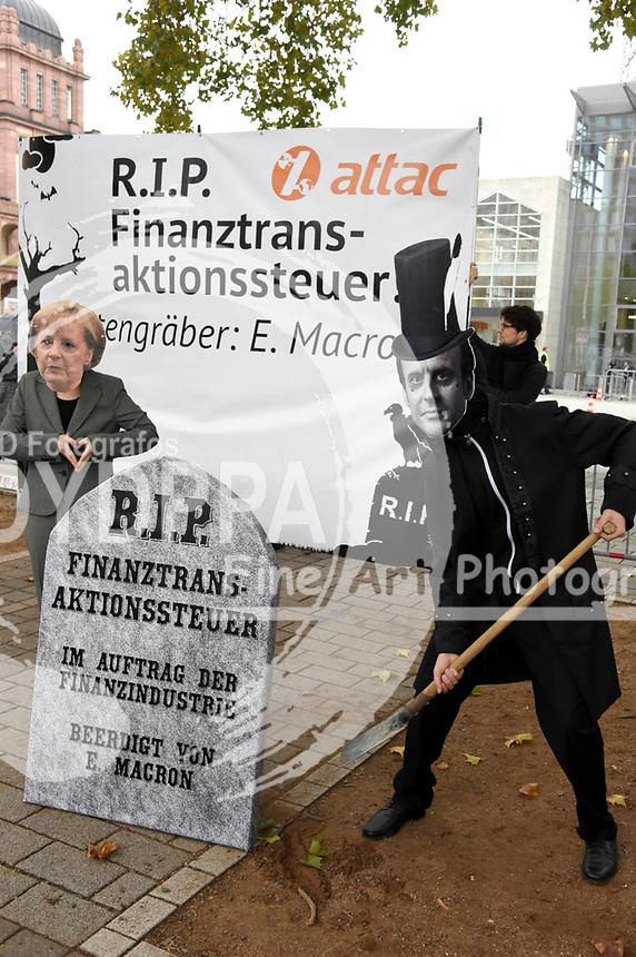 Attac Demonstranten bei der Eröffnung der Frankfurter Buchmesse 2017 auf Messe Frankfurt. Frankfurt, 10.10.2017