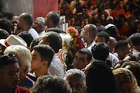 RIO DE JANEIRO, 23,04,2018 - DIA-SÃO JORGE - Fiéis se reúnem em comemoração ao dia de São Jorge na igreja de Quintino na zona norte do Rio de Janeiro nesta segunda-feira 23, (Foto: Jorge Hely / Brazil Photo Press)