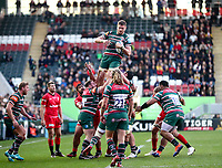 27th October 2019; Welford Road Stadium, Leicester, East Midlands, England; English Premiership Rugby, Tigers versus Saracens; Tigers captain Calum Green takes a line out ball  - Editorial Use