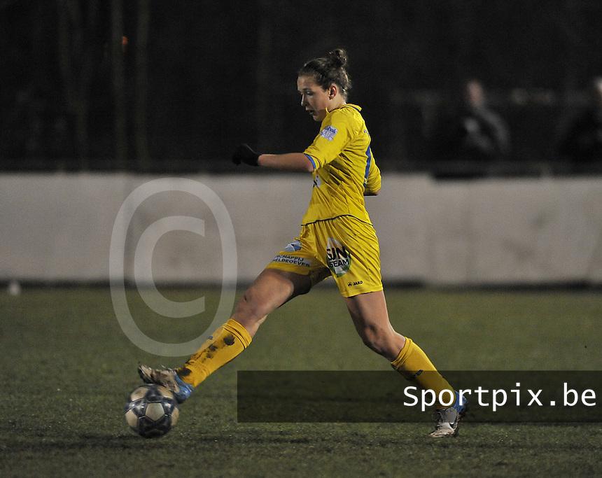 Club Brugge Dames - WB Sinaai Girls : Marjolein De Donder.foto DAVID CATRY / Vrouwenteam.be