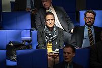 Sitzung des Deutschen Bundestag am Mittwoch den 18. April 2018.<br /> Im Bild vlnr.: Die AfD-Abgeordneten Nicole Hoechst und Berengar Elsner von Gronow.<br /> 18.1.2018, Berlin<br /> Copyright: Christian-Ditsch.de<br /> [Inhaltsveraendernde Manipulation des Fotos nur nach ausdruecklicher Genehmigung des Fotografen. Vereinbarungen ueber Abtretung von Persoenlichkeitsrechten/Model Release der abgebildeten Person/Personen liegen nicht vor. NO MODEL RELEASE! Nur fuer Redaktionelle Zwecke. Don't publish without copyright Christian-Ditsch.de, Veroeffentlichung nur mit Fotografennennung, sowie gegen Honorar, MwSt. und Beleg. Konto: I N G - D i B a, IBAN DE58500105175400192269, BIC INGDDEFFXXX, Kontakt: post@christian-ditsch.de<br /> Bei der Bearbeitung der Dateiinformationen darf die Urheberkennzeichnung in den EXIF- und  IPTC-Daten nicht entfernt werden, diese sind in digitalen Medien nach &sect;95c UrhG rechtlich geschuetzt. Der Urhebervermerk wird gemaess &sect;13 UrhG verlangt.]