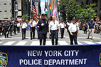 NEW YORK, EUA, 25.06.2017 - PARADA-NEW YORK - James O'Neill (branco) comandante da Policia de New York (NYPD) durante a Parada do Orgulho LGBT na cidade de New York nos Estados Unidos neste domingo, 25. (Foto: Vanessa Carvalho/Brazil Photo Press)