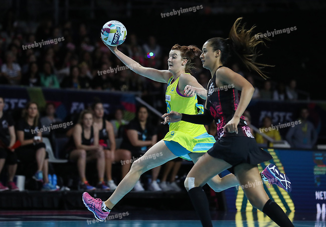 2016 Fast 5 Netball World Series<br /> Game 9<br /> Australia v New Zealand<br /> <br /> Photo: Grant Treeby