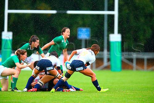 23.08.2015. Dublin, Ireland. Women's Sevens Series Qualifier 2015. Japan versus Ireland<br /> Marie Yamaguchi (Japan) passes the ball out of a ruck.