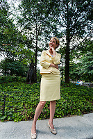 New York, NY 26 AUG 2014 - Gubernatorial candidate Zephyr Teachout endorsed by the National Organization of Women. Posing with the Eleanor Roosevelt statue in Riverside Park ©Stacy Walsh Rosenstock/Alamy Live News