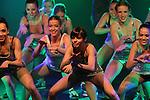 Foto: VidiPhoto..ARNHEM - Leerlingen van Atelier Velp, een van de vier MBO-dansopleidingen in Nederland, doen donderdag en vrijdag examen Dat gebeurt tijdens door horecavakschool RijnIJssel Arnhem georganiseerde showdiners. Tijdens de showdiners, waarbij de vijf-gangendiners worden afgewisseld met dansoptredens, leggen de twintig dansers dan in aanwezigheid van het publiek officieel hun examen af voor een examencommissie. De populariteit van dansscholen wordt dankzij diverse tv-programma's met dit thema steeds groter..