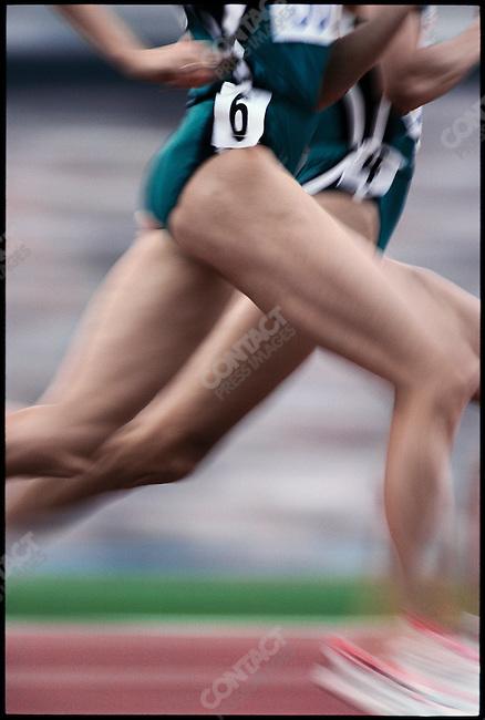 3000m finals, women, Tatyana Dorovskikh (CIS-Russia)-silver and Yelena Romanova (CIS-Russia)-gold. Summer Olympics, Barcelona, Spain, July 1992
