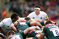 Francois Louw of Bath Rugby looks on at a scrum. Aviva Premiership match, between Leicester Tigers and Bath Rugby on September 3, 2017 at Welford Road in Leicester, England. Photo by: Patrick Khachfe / Onside Images
