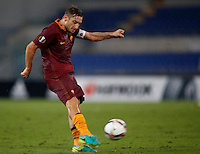 Calcio, Europa League: Roma vs Astra Giurgiu. Roma, stadio Olimpico, 29 settembre 2016.<br /> Roma&rsquo;s Francesco Totti kicks the ball during the Europa League Group E soccer match between Roma and Astra Giurgiu at Rome's Olympic stadium, 29 September 2016. Roma won 4-0.<br /> UPDATE IMAGES PRESS/Isabella Bonotto