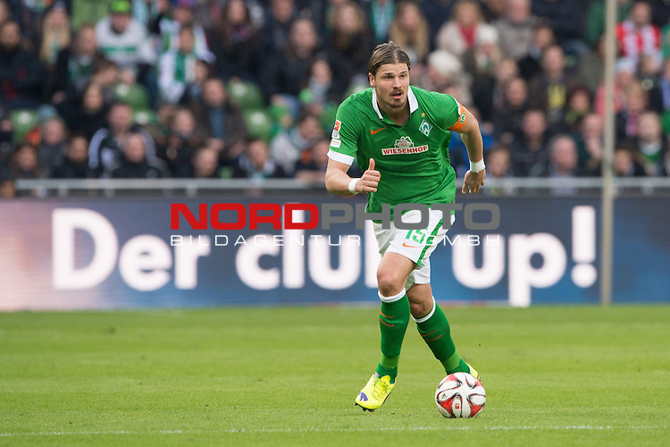 04.04.2015, Weser Stadion, Bremen, GER, 1.FBL. Werder Bremen vs 1. FSV Mainz 05, im Bild<br /> <br /> Sebastian Pr&ouml;dl / Proedl (Bremen #15)<br /> Querformat,,Einzelaktion, Ganzk&ouml;rper / Ganzkoerper,<br /> <br /> <br /> <br /> Foto &copy; nordphoto / Kokenge