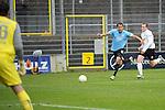Sandhausen 05.12.2009, 3. Liga SV Sandhausen - FC Ingolstadt 04, Sandhausens Thorsten Kirschbaum, Ingolstadts Moise Bambara gegen Sandhausens Patrick Kirsch<br /> <br /> Foto &copy; Rhein-Neckar-Picture *** Foto ist honorarpflichtig! *** Auf Anfrage in h&ouml;herer Qualit&auml;t/Aufl&ouml;sung. Ver&ouml;ffentlichung ausschliesslich f&uuml;r journalistisch-publizistische Zwecke. Belegexemplar erbeten.