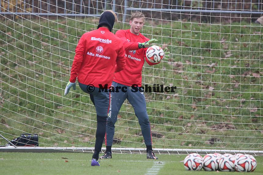 Timo Hildebrand mit Felix Wiedwald (Eintracht) - Eintracht Frankfurt Training, Commerzbank Arena