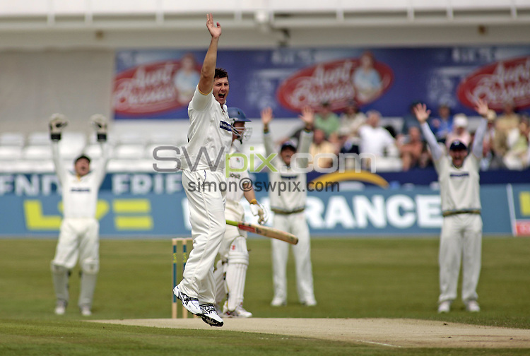 Pix: Ben Duffy/SWpix.com. LV County Championship Cricket, Yorkshire v Lancashire....31/05/2008...copyright picture>>simon wilkinson>>07811 267 706>>..Yorkshire's Tim Bresnan appeals succesfully for the wicket of Lancashire's Ian Sutcliffe