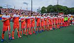 Den Bosch  - Team Nederland  tijdens het volkslied, line up,  voor   de Pro League hockeywedstrijd heren, Nederland-Belgie (4-3).    COPYRIGHT KOEN SUYK