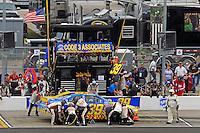 Ryan Newman (#39) makes a pit stop.