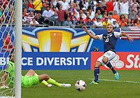 Chicago, IL - Sunday July 28, 2013:  USMNT forward Landon Donovan (10)  attempts to score a goal during the CONCACAF Gold Cup Finals soccer match between the USMNT and Panama, at Soldier Field in Chicago, IL.