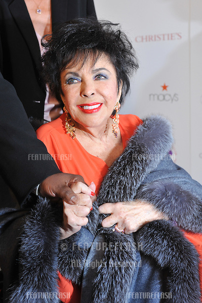 "Dame Elizabeth Taylor at the World AIDS Day presentation of ""Love Letters"" at the Paramount Theatre, Hollywood..December 1, 2007  Los Angeles, CA.Picture: Paul Smith / Featureflash"