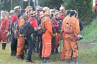 BRUMADINHO, MG, 29.01.2019:ROMPIMENTO DA BARRAGEM EM BRUMADINHO. Bombeiros,  brigadistas se mobilizam para o quinto dia de buscas apos desastre ambiental na represa da Cia Vale, em Corrego do Feijao-Brumadinho, região metropolina de Belo Horizonte, MG, na manhã desta terça feira (29) (foto Giazi Cavalcante/Codigo19)