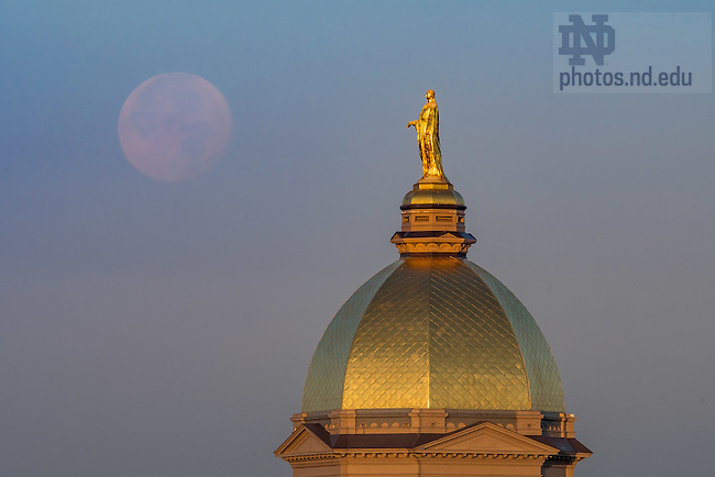November 15, 2016; Dome and setting moon (Photo by Matt Cashore/University of Notre Dame)