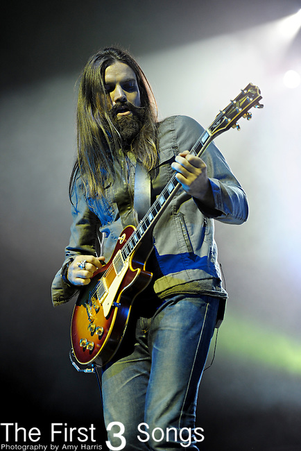 Chris Traynor of Bush performs at PNC Pavilion at Riverbend Music Center in Cincinnati, Ohio on October 7, 2011.