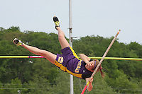 09C4D5 Girls Pole Vault