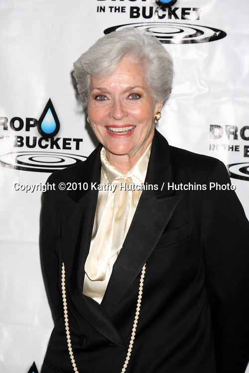 """LOS ANGELES - OCT 19:  Lee Meriwether arrives at the Drop in the Bucket """"Cause on the Rocks"""" Fundraiser at Viceroy Hotel on October 19, 2010 in Santa Monica, CA"""