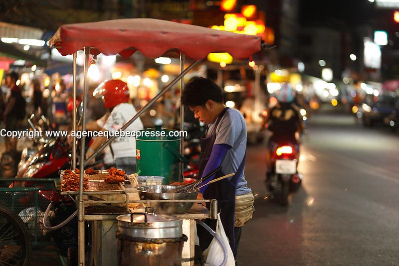 street food<br />  in  Thailand