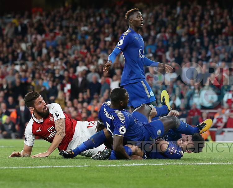 Arsenal's Olivier Giroud celebrates scoring his sides fourth goal during the premier league match at the Emirates Stadium, London. Picture date 11th August 2017. Picture credit should read: David Klein/Sportimage