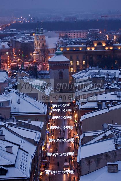 Europe/Voïvodie de Petite-Pologne/Environs de Cracovie: Porte et rue Saint-Florian vue depuis le clocher de l'église Notre Dame - Vieille ville (Stare Miasto) classée Patrimoine Mondial de l'UNESCO,