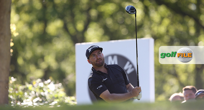 Graeme McDOWELL (NIR) drives the 17th during Round One of the 2015 BMW PGA Championship over the West Course at Wentworth, Virginia Water, London. 21/05/2015Picture David Lloyd, www.golffile.ie.