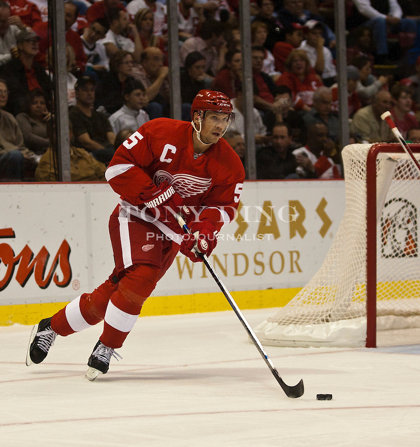 8 October 2010: Detroit Red Wings defenseman Nicklas Lidstrom (5) dribbles the puck in the first period of the Anaheim Ducks at Detroit Red Wings NHL hockey game, at Joe Louis Arena, in Detroit, MI...***** Editorial Use Only *****