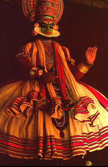 India Kerala, Kochi, Kathakali dance 100 3108 jpg   Skyum