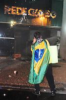 RIO DE JANEIRO,RJ,17.07.2013- MANIFESTANTES ENTRARAM EM CONFRONTO COM POLICIAIS NA ZONA SUL DO RIO. As ruas da Zona Sul do Rio tiveram cenas de guerra nesta noite no bairro do Leblon e Ipanema. Lojas e agencias bancárias tiveram vidraças destruidas e sequeadas durante o quebra quebra que terminou por volta da uma hora da manhã. Manifestantes destruiram a sede da rede globo. SANDROVOX/BRAZILPHOTOPRESS
