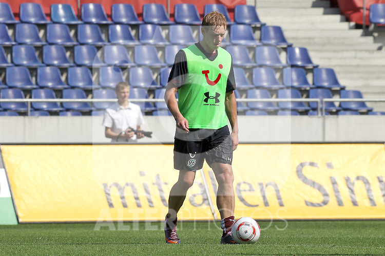 29.06.2010, AWD Arena, GER, Hannover, Training Hannover 96 im Bild . Mikael Forssell. Foto © nph / Rust