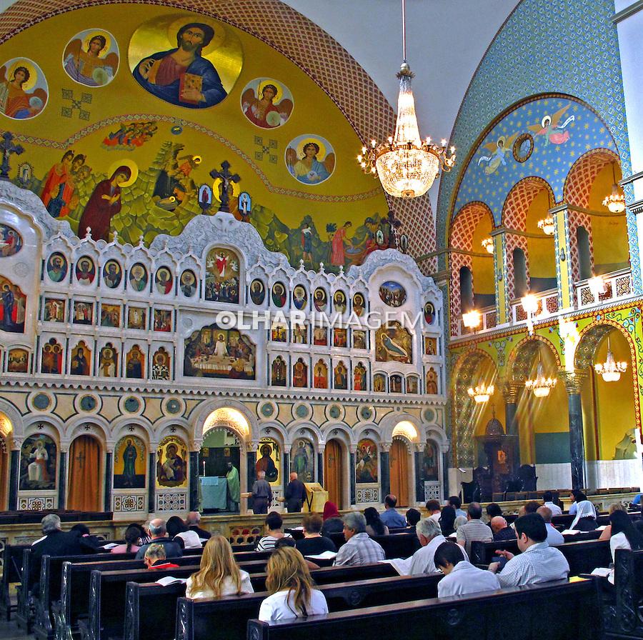 Culto religioso na Catedral Ortodoxa de Sao Paulo. 2013. Foto de Marcia Minillo.