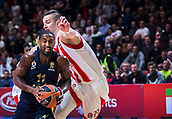 22nd March 2018, Aleksandar Nikolic Hall, Belgrade, Serbia; Turkish Airlines Euroleague Basketball, Crvena Zvezda mts Belgrade versus Fenerbahce Dogus Istanbul; Guard Brad Wanamaker of Fenerbahce Dogus Istanbul in action against Center Alan Omic of Crvena Zvezda mts Belgrade