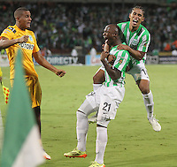 MEDELLÍN -COLOMBIA-21-05-2014. John Valoy (C)  de Atlético Nacional celebra un gol anotado a Atlético Junior durante partido de vuelta por la final de la Liga Postobón I 2014 jugado en el estadio Atanasio Girardot de la ciudad de Medellín./ Atletico Nacional Player John Valoy (C) celebrates a goal scored to Atletico Junior during the second leg match for the final of the Postobon League I 2014 at Atanasio Girardot stadium in Medellin city. Photo: VizzorImage / Felipe Caicedo / Staff