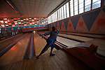 Bowling d Asmara construit dans les annees 60. Le syteme manuel de l epoque est toujours en fonctionnement avec des jeunes garcons remettant les quilles a la main...Bowling alley built in the 60s. Today it operates as it did in the 1960s, on a fully manual system with young boys loading the pins for a small earning.