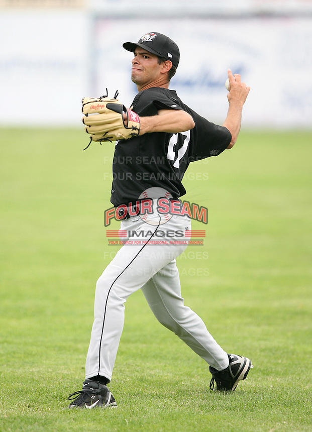 2007:  Danny Gil of the Tri-City Valley Cats, Class-A affiliate of the Houston Astros, during the New York-Penn League baseball season.  Photo by Mike Janes/Four Seam Images