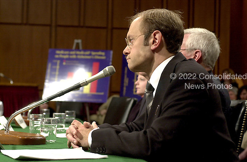 David Hyde Pierce testifies in favor of higher funding for Alzheimer's Disease research before the United States Senate Appropriations Subcommittee on Labor, Health and Human Services (HHS), and Education in Washington, D.C. on April 3, 2001..Credit: Ron Sachs / CNP
