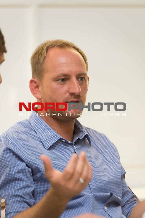 11.12.2011, Congress Center, Bremen, GER,, Trainerkongress in Bremen, im Bild<br /> Mirko Slomka und Torsten Lieberknecht<br /> <br /> Foto &not;&copy; nph / Kokenge