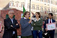 """Verdi costruiscono """"casa"""" abusiva davanti al Parlamento"""