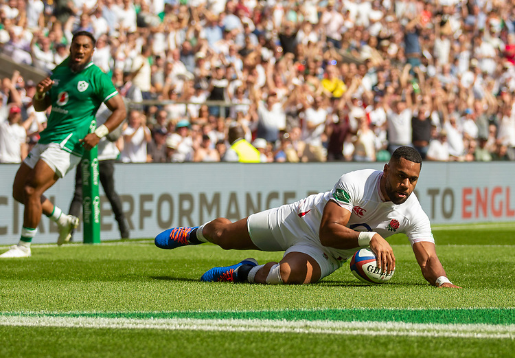 England's Joe Cokanasiga scores his sides first try<br /> <br /> Photographer Bob Bradford/CameraSport<br /> <br /> Quilter Internationals - England v Ireland - Saturday August 24th 2019 - Twickenham Stadium - London<br /> <br /> World Copyright © 2019 CameraSport. All rights reserved. 43 Linden Ave. Countesthorpe. Leicester. England. LE8 5PG - Tel: +44 (0) 116 277 4147 - admin@camerasport.com - www.camerasport.com