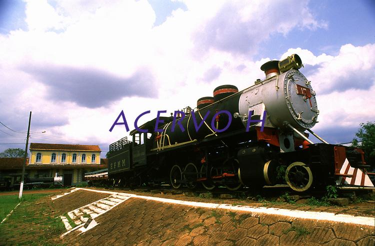 locomotiva da estrada de ferro Madeira Mamoré (EFMM) em frente ao museu em Guajará-Mirim / Rondônia