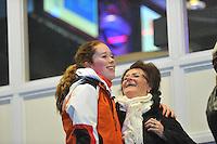 SCHAATSEN: HEERENVEEN: 27-12-2013, IJsstadion Thialf, KNSB Kwalificatie Toernooi (KKT), Antoinette de Jong met haar beppe, ©foto Martin de Jong