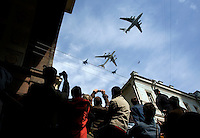 Jet fighters fly over Russians celebrate Victory Day in Moscow.© Justin Jin