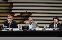SAO PAULO, 27 DE JUNHO DE 2012 - 18 PREMIO FIESP MERITO AMBIENTAL - Da esquerda para a direita o secretário do Verde e Meio Ambiente Carlos Fortner representando o prefeito Gilberto Kassab, Nelson Pereira dos Reis, representando Paulo Skaf, e o conselheiro do COSEMA (Conselho de Meio Ambiente da Fiesp) Mario Hirose durante a solenidade de premiação da Fiesp que tem o objetivo de incentivar o setor produtivo a desenvolver boas práticas ambientais, na Fiesp, avenida Paulista, na noite desta quarta feira. FOTO: ALEXANDRE MOREIRA - BRAZIL PHOTO PRESS