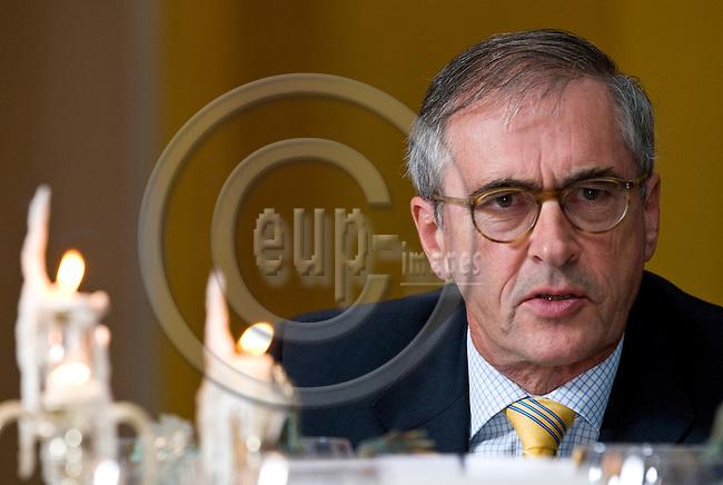 BRUSSELS - BELGIUM - 24 September 2014 -- 7th Confederation of European Waste-to-Energy Plants (CEWEP) Waste-to-Energy Congress 2014 - Local Energy from Local Waste - Affordable, Secure & Sustainable. -- Phoenix Award 2014 - Jan Manders, CEWEP Deputy President - Phoenix Award 2014 winner. -- PHOTO: Juha ROININEN / EUP-IMAGES